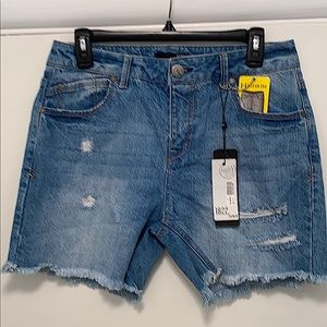 NWT 1822 Denim Shorts 31.5 waist size 6